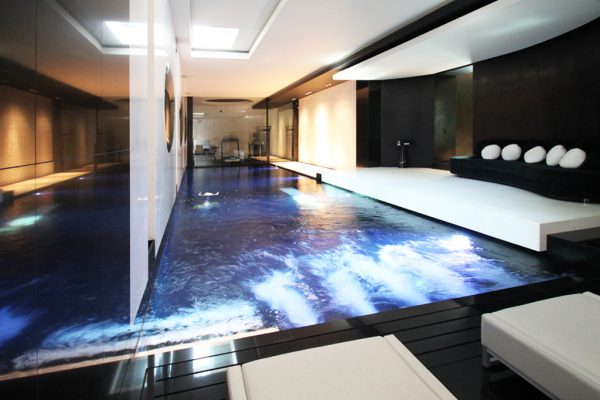 piscine luxueuse et d'exception